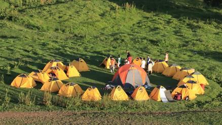 篝火露营--关山牧场两日休闲团建