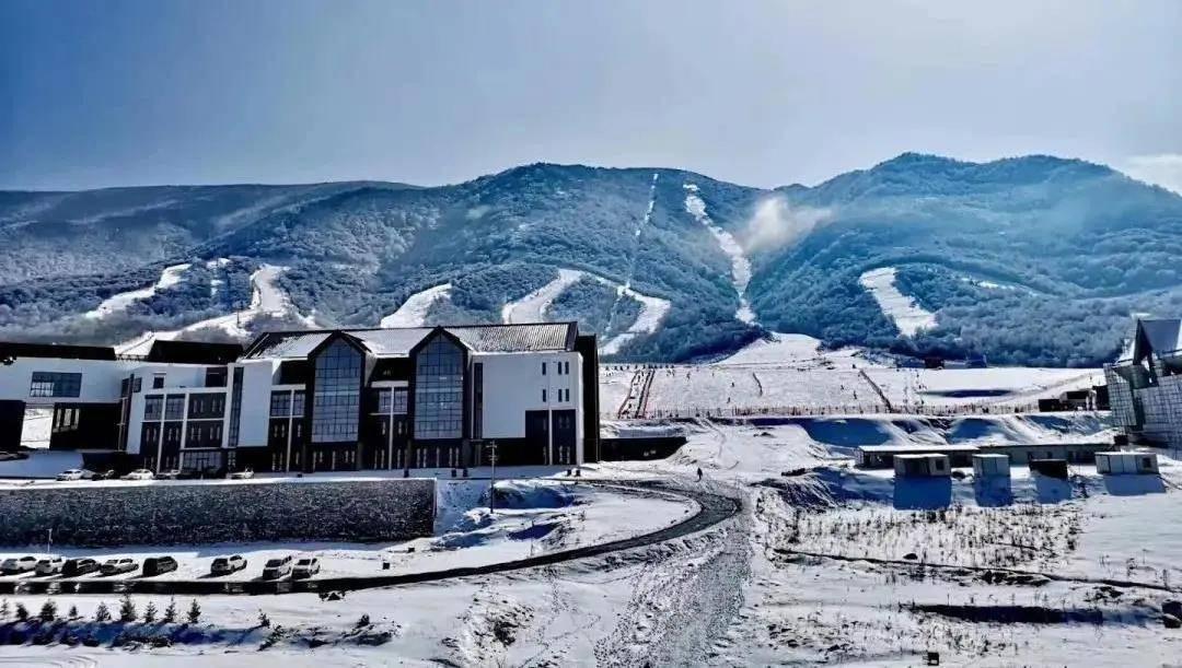 鳌山滑雪场雪票售卖